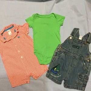 4 for $20  CARTERS BOYS 9 month clothes